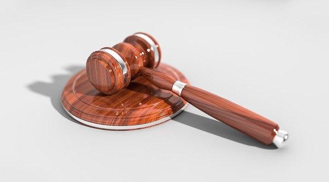עורך דין לרישום קבלנים